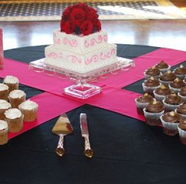 Sq. cutting cake & cupcakes